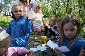 Naturmaling med blomster og planter
