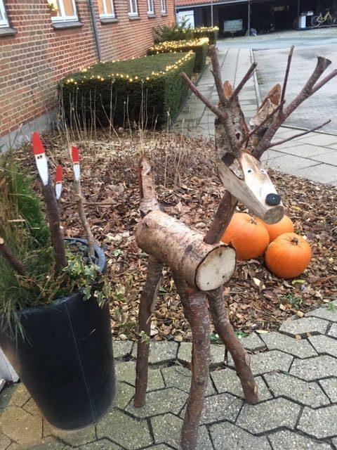 Rensdyr lavet af grene